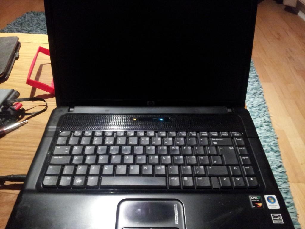 черный экран ноутбука Hp
